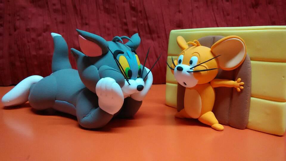 纸粘土——猫和老鼠    在近年儿童重症发病率增高,因病致贫,医患矛盾
